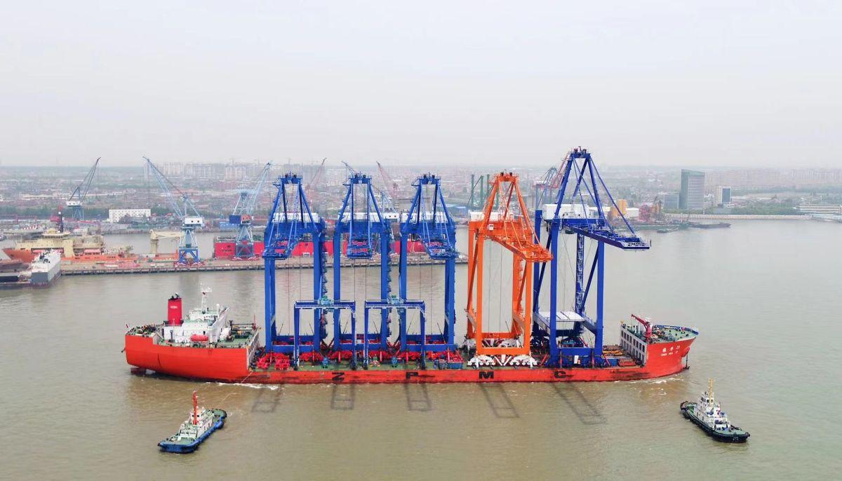 Νέες γερανογέφυρες στο λιμάνι Πειραιά- Πηγή: ΑΠΕ-ΜΠΕ